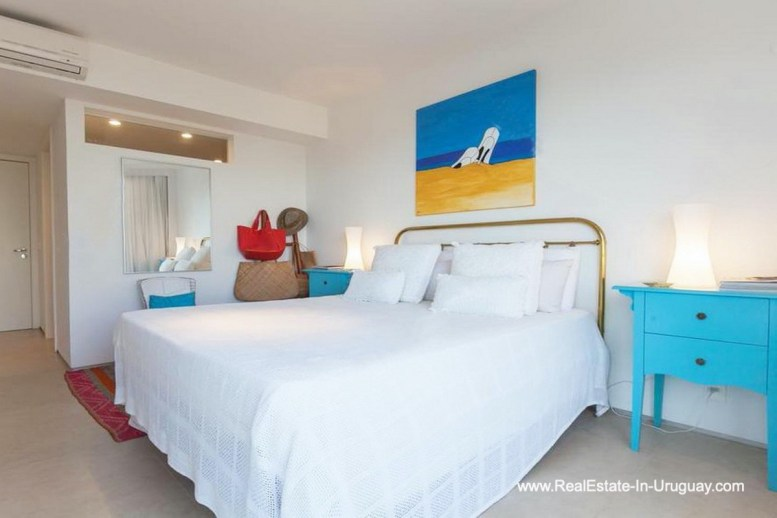 Guest Bedroom of Apartment opposite the Ocean in Punta del Este