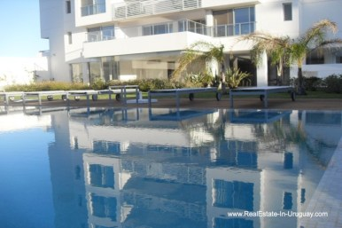 Pool of Apartment opposite the Ocean in Punta del Este