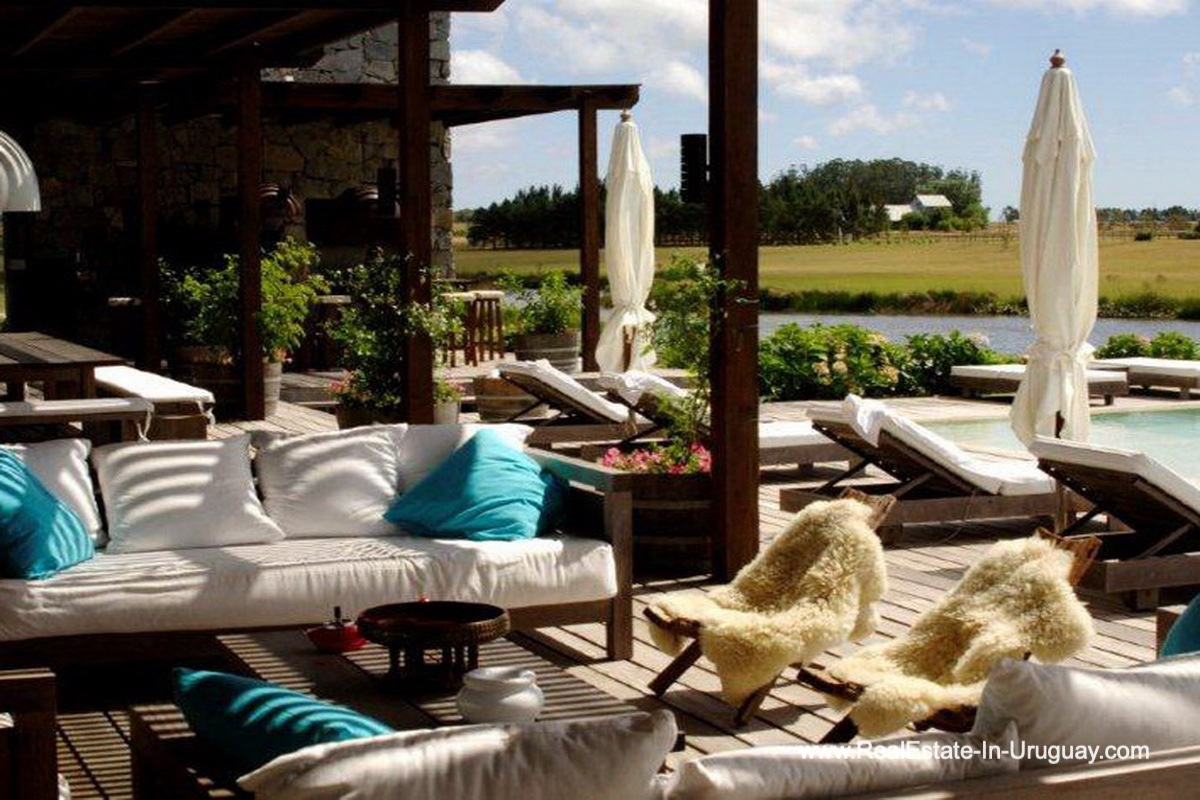Terrace of Wonderful Ranch with a Vineyard behind La Barra and Manantiales
