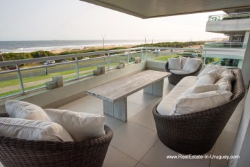 Terrace of Spacious Apartment on the Brava in Punta del Este