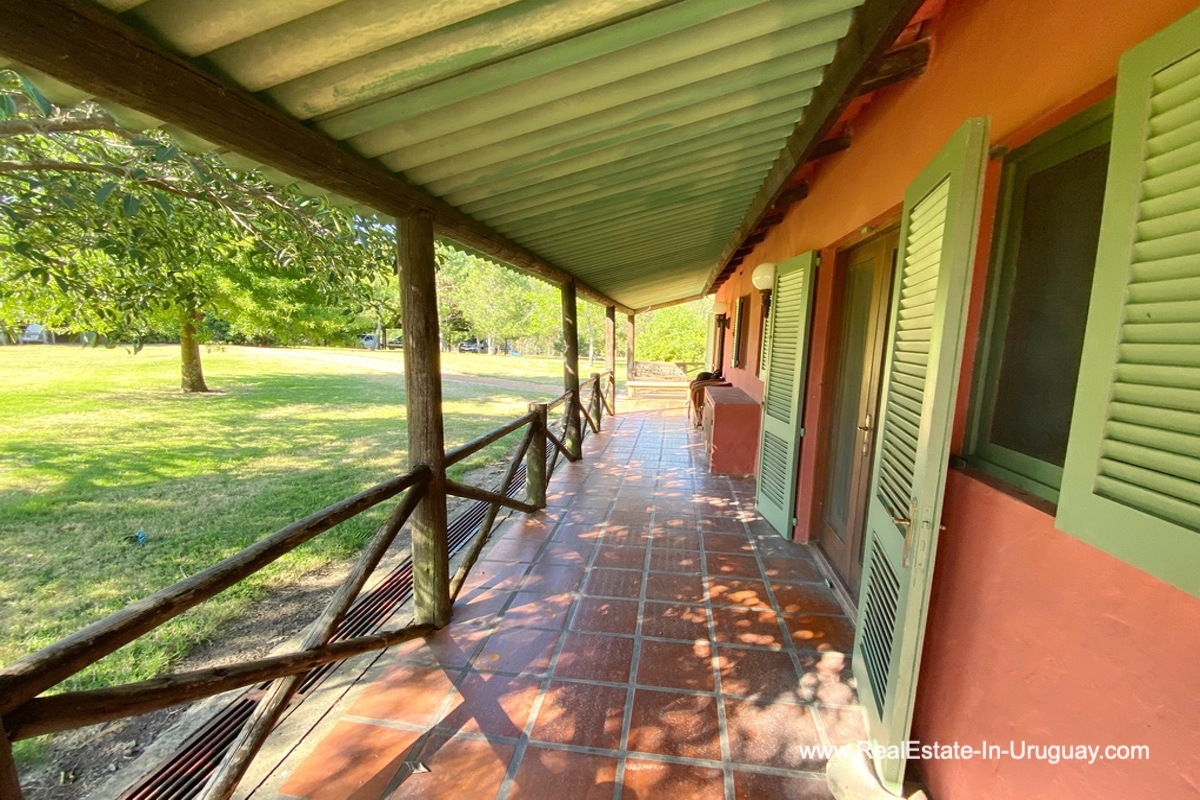 Porch of Ranch on 8 Hectares in Jose Ignacio