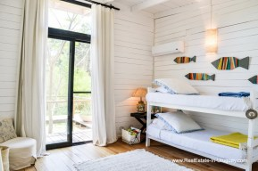 Guest Bedroom of Cute House in a Quiet Area by La Barra