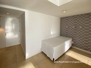 Den of YOO Apartment on a High Floor with Ocean Views in Punta del Este