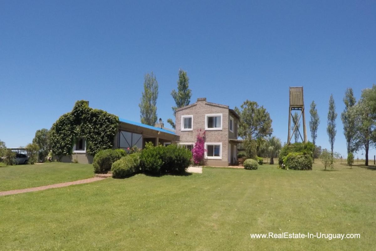 Main House Charming-Farm-between-Ruta-104-and-Santa-Monica-Entrance