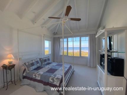 Guestsuite of Large Oceanfront Villa in Punta Ballena