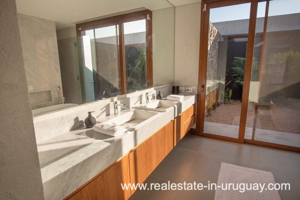 Bathroom of Modern and Style combined with Country Views in Pueblo Mio by Manantiales