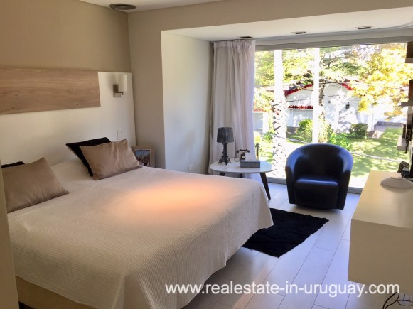 6707 Spacious Family Home on the Mansa in Punta del Este - Guest Bedroom3