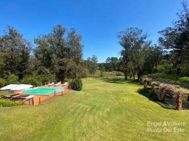 Garden and Pool of Villa in EL Golf Punta del Este