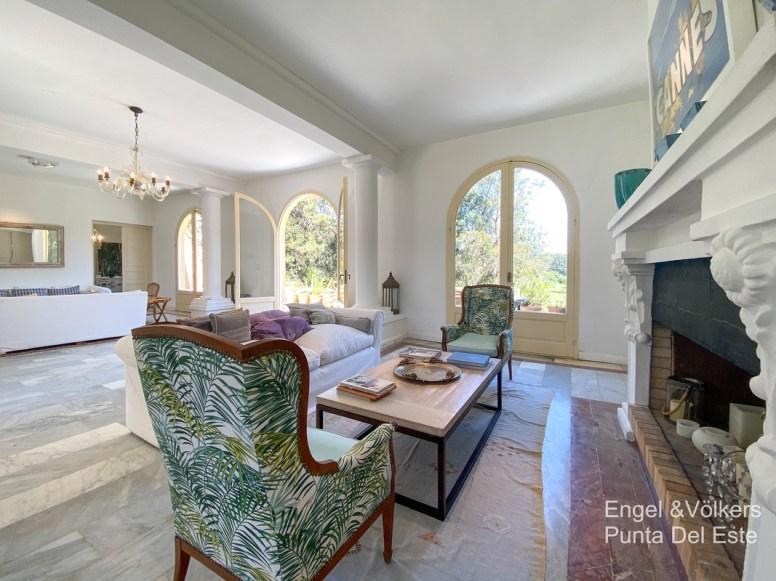 4925 Italian Villa in EL Golf Punta del Este - Living room