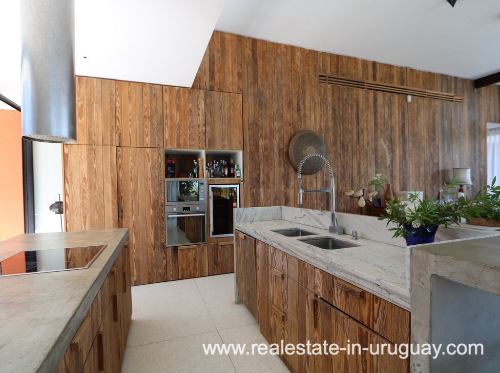 Kitchen of Modern American Style in El Quijote