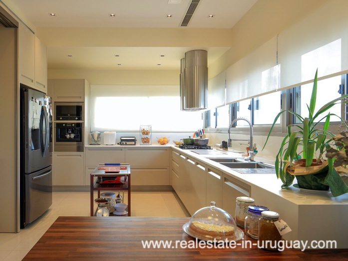 Kitchen of Penthouse near the Peninsula in Punta del Este