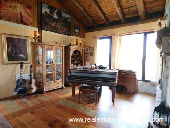 6725 Farm House in El Quijote near Fasano and La Barra - Living Space