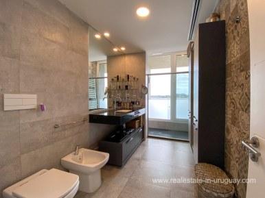 6854 Modern House on Laguna del Sauce - Bathroom5