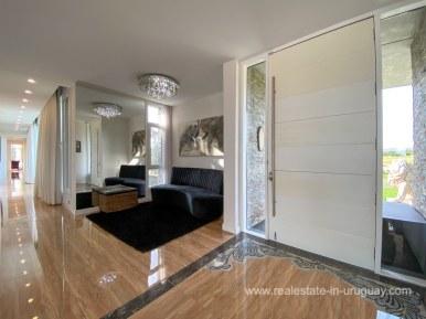 6854 Modern House on Laguna del Sauce - Entrance2