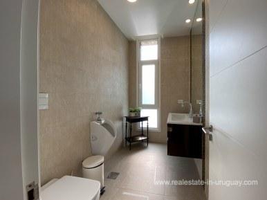 6854 Modern House on Laguna del Sauce - Guest Toilet