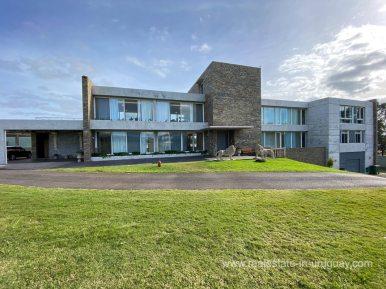 6854 Modern House on Laguna del Sauce - House Front