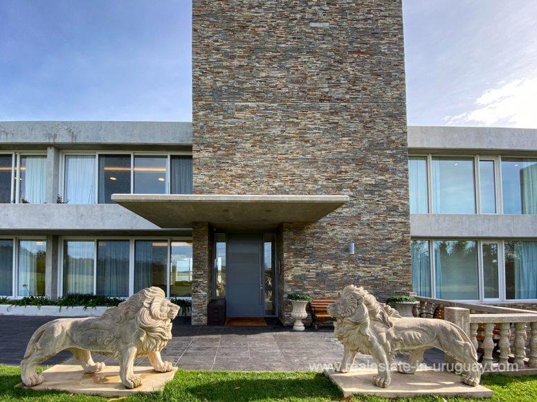 6854 Modern House on Laguna del Sauce - House Front2