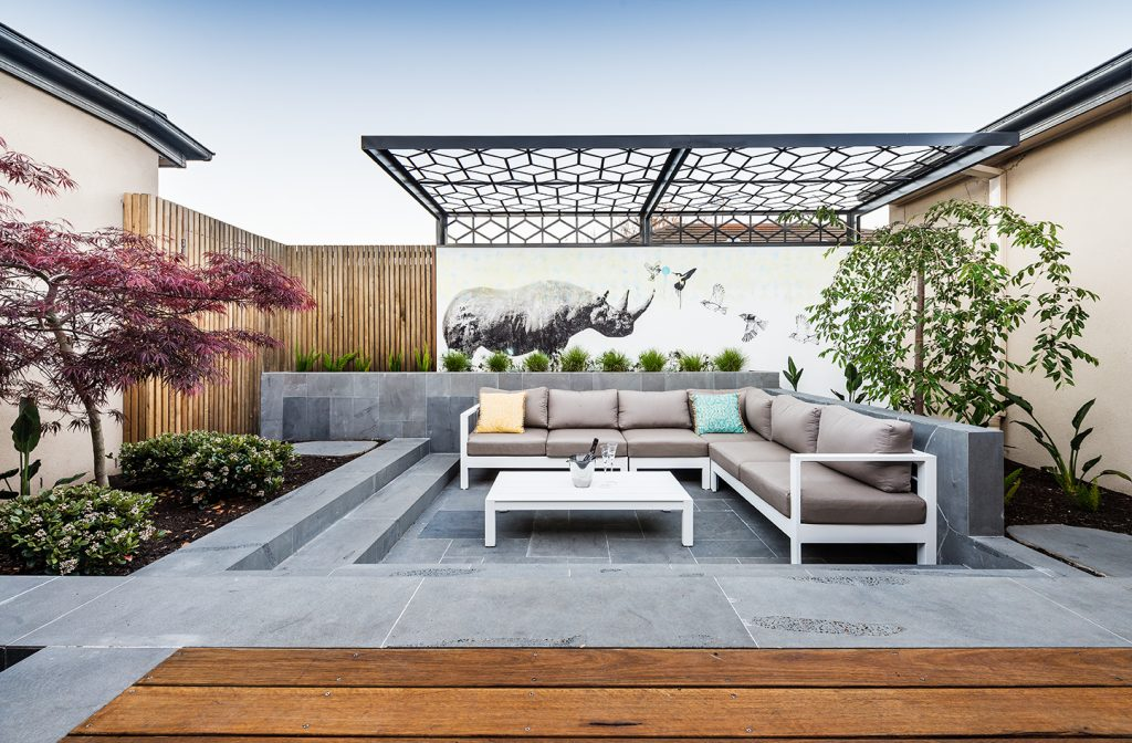 sunken outdoor entertaining area