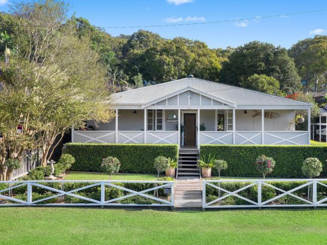 Original Wagstaffe cottage will appeal to the hearts of buyers