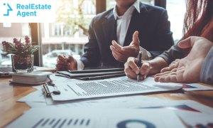 Understanding Contracts Internships in Real Estate