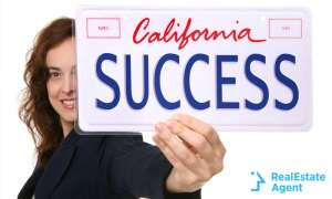 California How much does real estate agent make