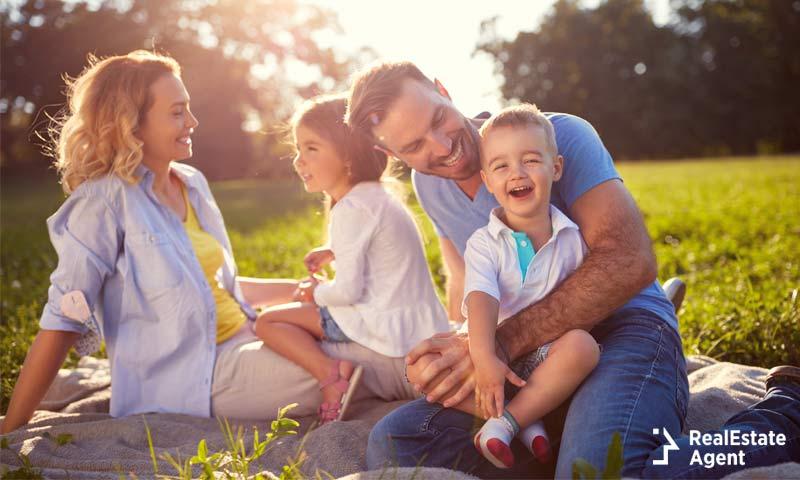 happy family in Arizona