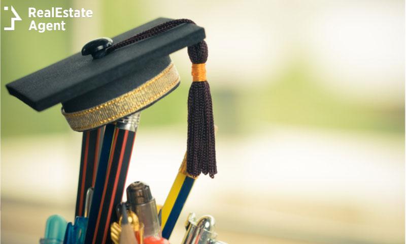 graduated cap study