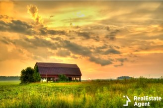american midwest barn ladnscape