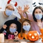 happ family celebrating halloween