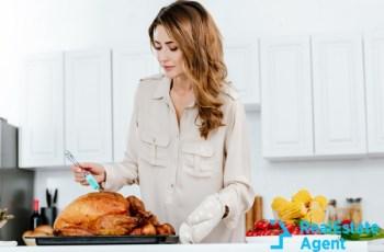 beautiful women cooking turkey