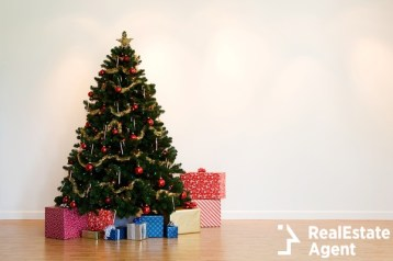 christmas tree with under presents