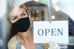coffee shop women wearing mask