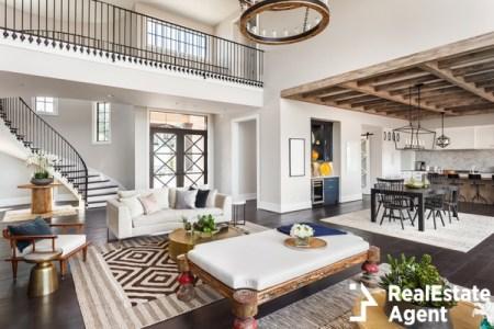 Stunning panorama luxury home