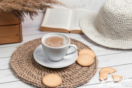 Cappuccino with biscuits on jute fiber