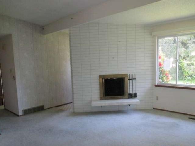561-644875 – Living Room 02-640