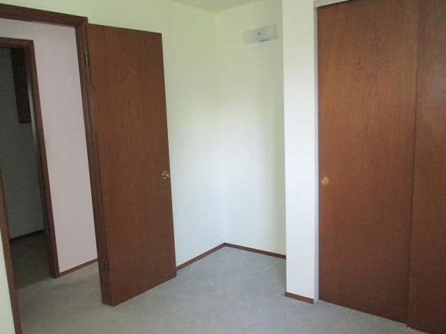 561-644875 – bedroom 1, ver a-640