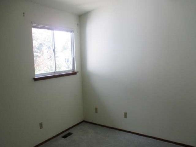 561-644875 – bedroom 1, ver c-640