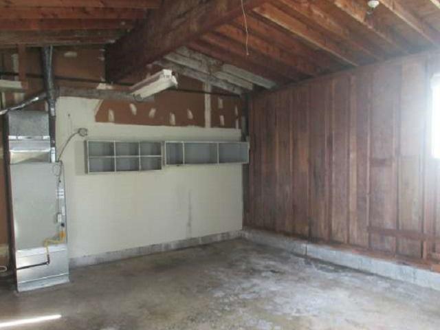 561-644875 – garage 01-640