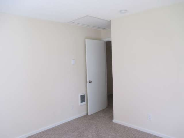 561-814272 – Bedroom 01b