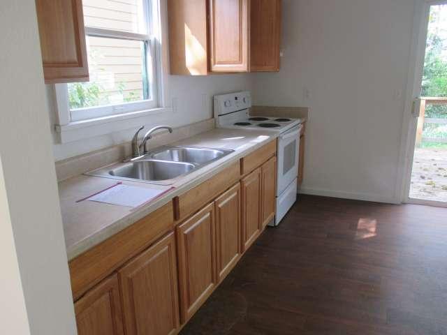 561-814272 – Kitchen