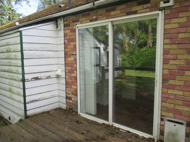 561-814272 – Sliding Glass to Decl