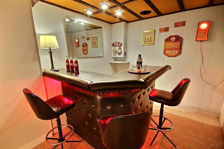 14 Rec Room Bar