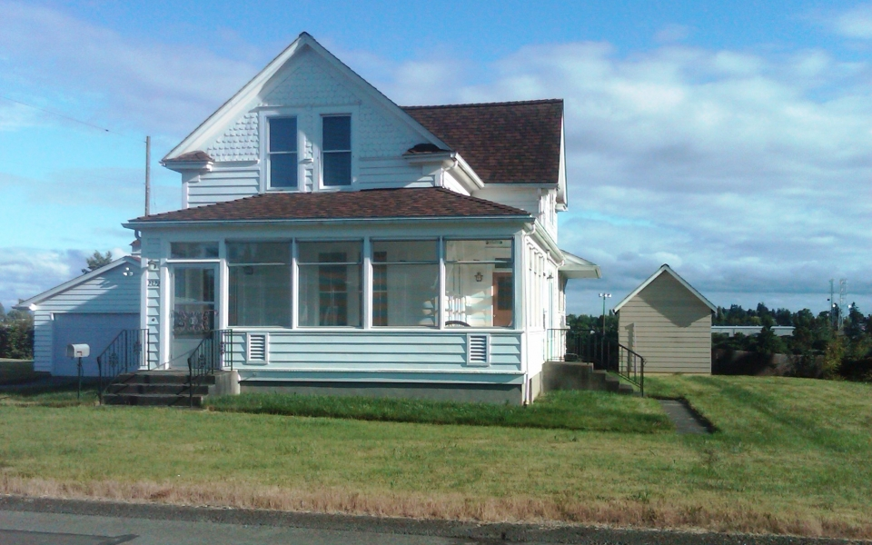 S 25th St – House Front