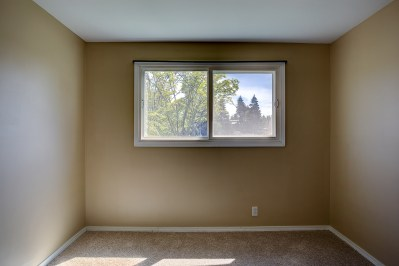 bedrm-upper1 Laurie Way Announces | Des Moines Multi-Level Home with Large Yard!
