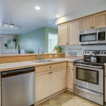 kitchen1 LAURIE WAY ANNOUNCES | Queen Anne Condo with Rooftop Deck