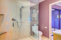 bathrm-master-shower Laurie Way Announces - Inner City Oasis - 613 E Highland Drive #3