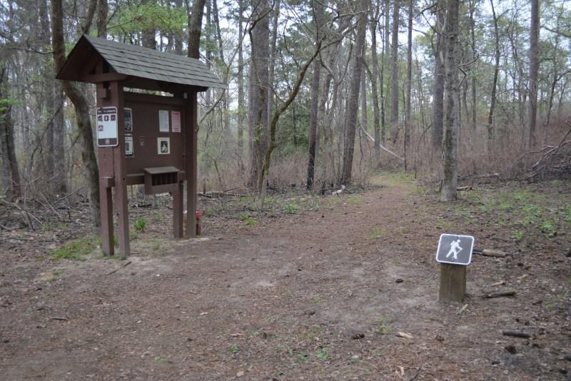 Davy Crockett, Neches Bluff, trailhead