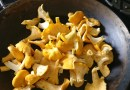 Cooking chanterelles