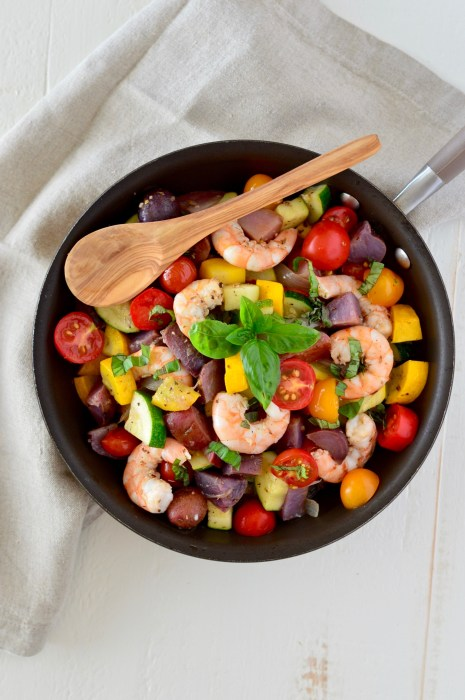 One-Pan Greek Summer Shrimp Skillet | The perfect way to use up all that gorgeous summer produce from your CSA, farmer's market, or From the Farmer, made super quick and delicious using Tessemae's Lemon Garlic Dressing! | Real Food with Dana