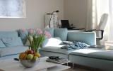 Sila modrej farby v interiéri